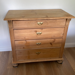 Old Dutch Pine Chest of Drawers